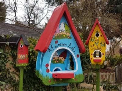 Futterhaus mit Silo - Futtervilla klein Zwerge hellblau - personalisiert