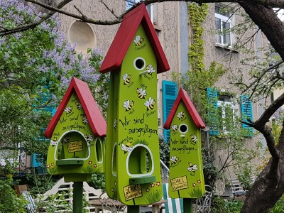 Kombiniertes Vogelhaus - Minivilla 2 Bienen kiwigrün - personalisiert