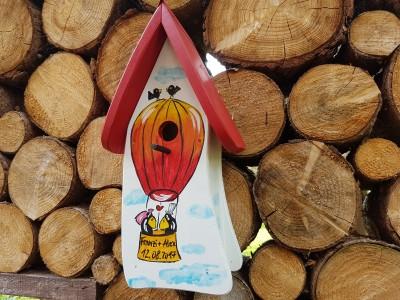 """Nistkasten """"Hochzeitsballon"""" weiß - personalisiert"""