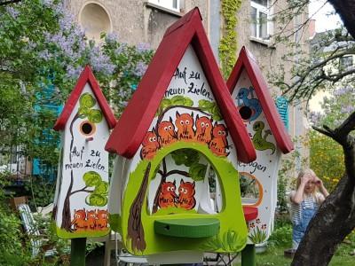 Futterhaus mit Silo - Futtervilla klein Füchse weiß - personalisiert