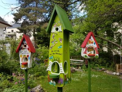 Kombiniertes Vogelhaus - Minivilla 2 Gartenzauber Schmetterlinge kiwigrün - personalisiert