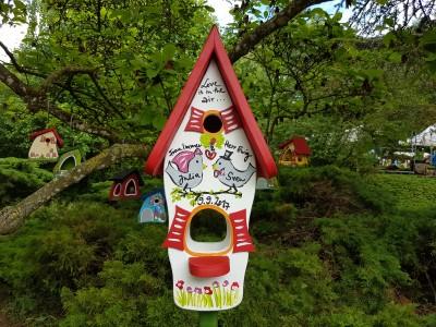 """Vogelhaus """"Liebesnest"""" weiß NIst- und Futterhaus - personalisiert"""
