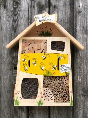 Insektenquartier gelb mit Bienen - personalisiert